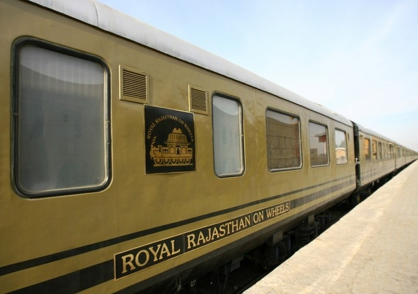 royal-rajasthan-on-wheels-train-qufx_l
